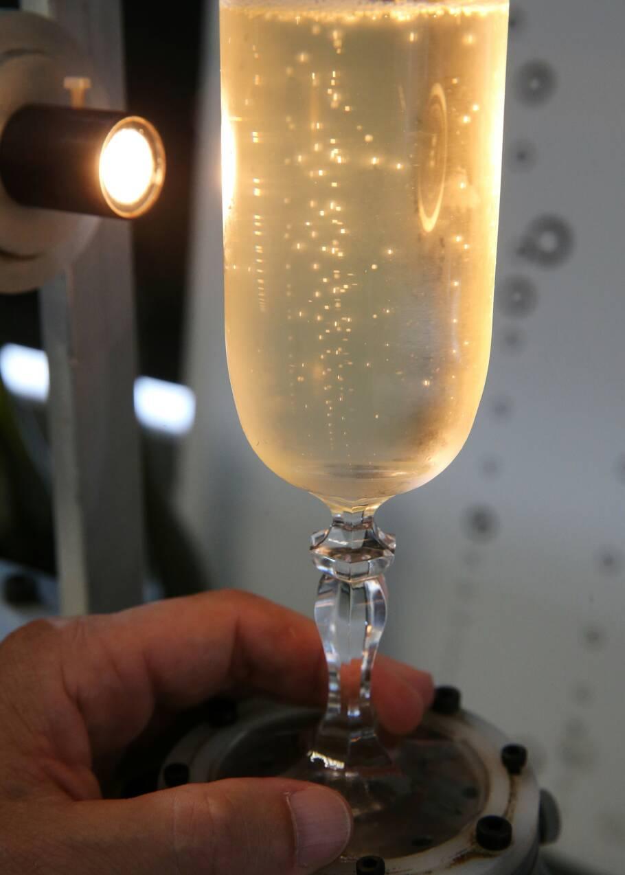 Plongez dans la vie secrète des bulles