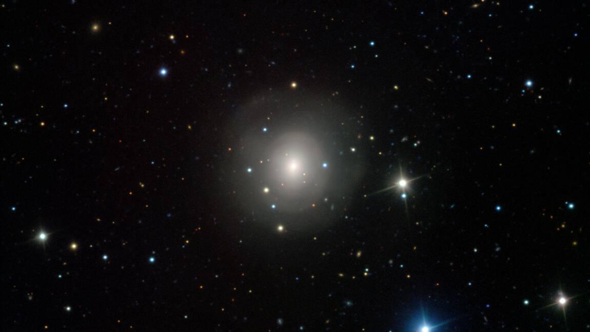 Les ondes gravitationnelles, des messagers du cosmos