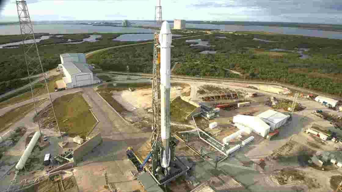 Lancement de la capsule Dragon de SpaceX pour une nouvelle mission d'approvisionnement de l'ISS