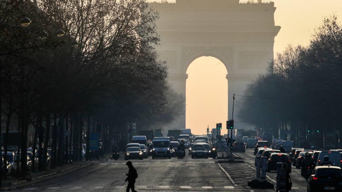 Pollution: circulation différenciée dès mercredi à Paris et à Lyon