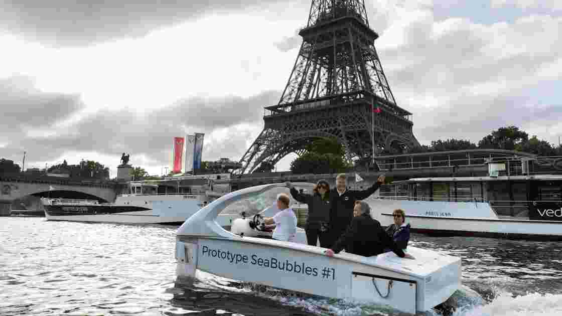"Les ""Sea Bubbles"" s'installent en Suisse, les tests à Paris ""ajournés"""