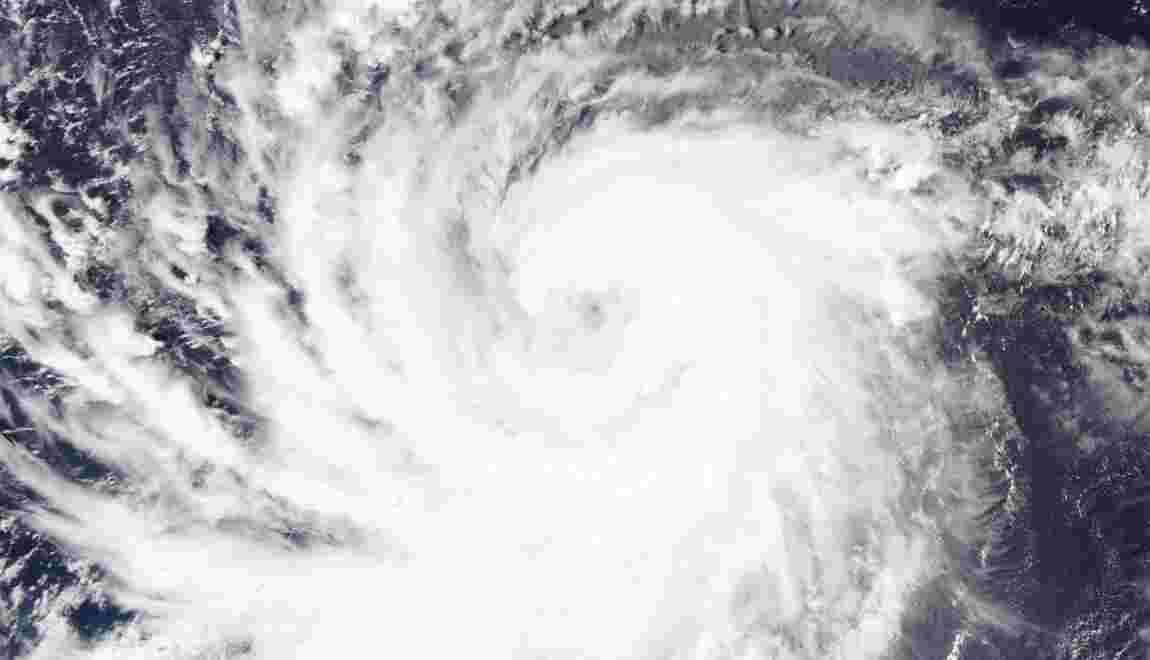 Hawaï placé en alerte à cause de l'ouragan Lane, passé en catégorie 4