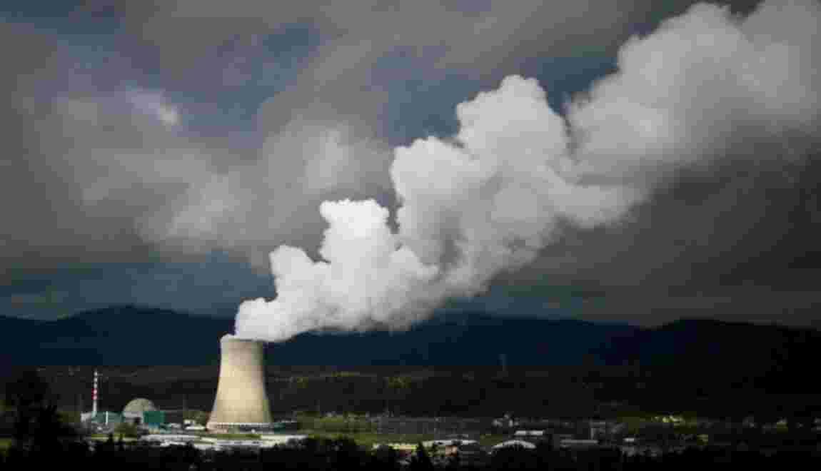 Les Suisses votent contre une sortie accélérée du nucléaire