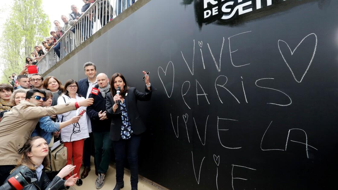 Paris: inauguration d'un parc piétonnier sur les voies sur berges