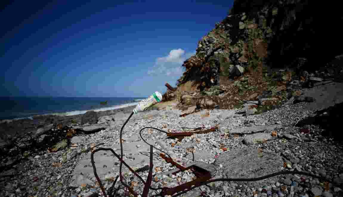 Au Havre, une ancienne décharge largue des déchets à la mer