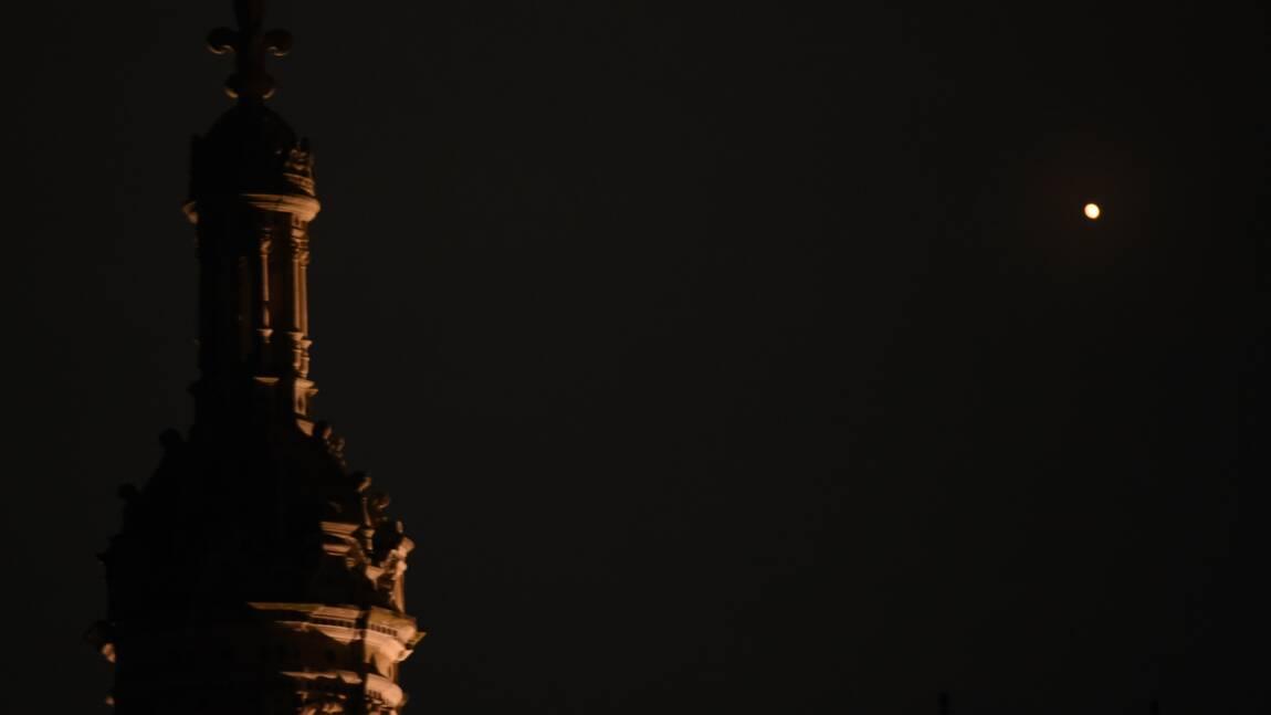 """Les Nuits des étoiles célèbrent Mars, """"petite soeur"""" de la Terre"""