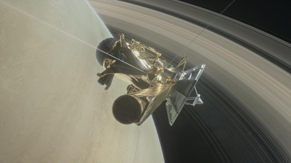 La sonde Cassini reprend contact après sa plongée sous les anneaux de Saturne