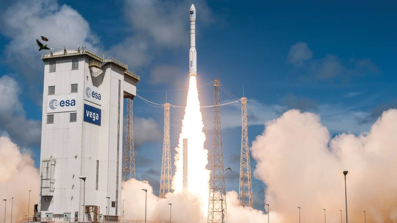 Une fusée Vega met sur orbite un satellite d'observation de la Terre pour l'Italie