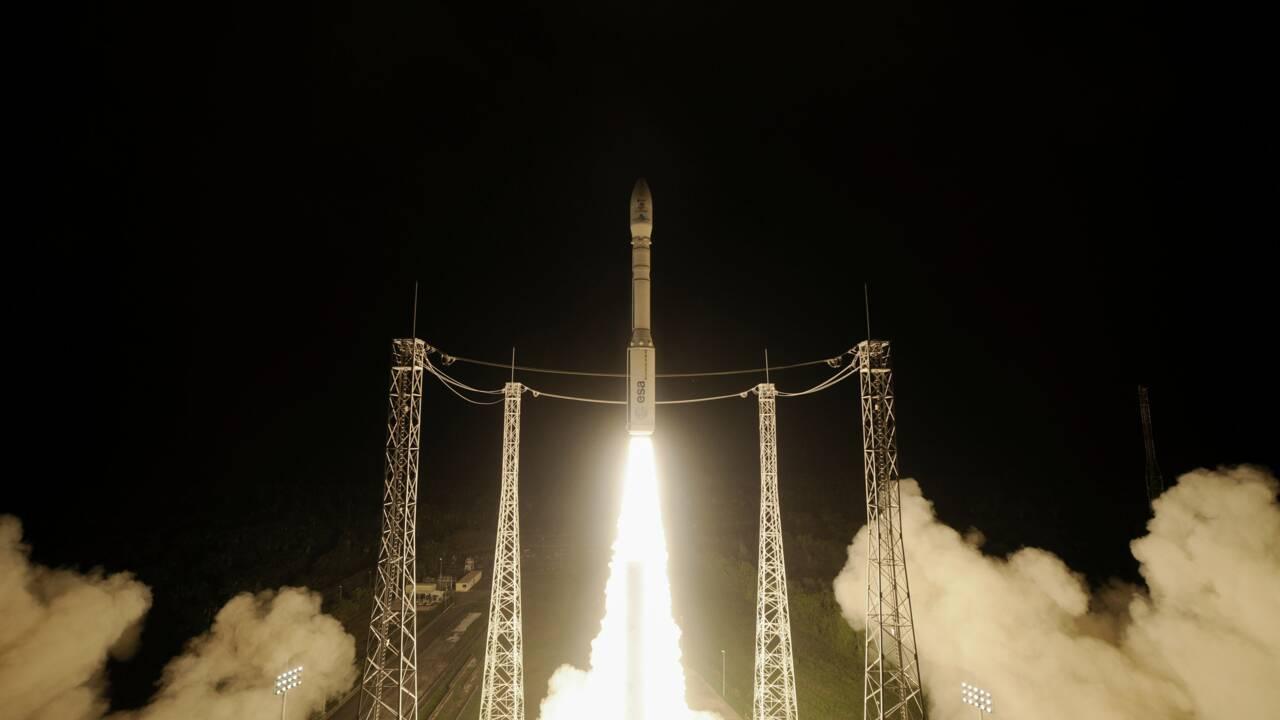Lancement réussi de deux satellites d'observation de la Terre