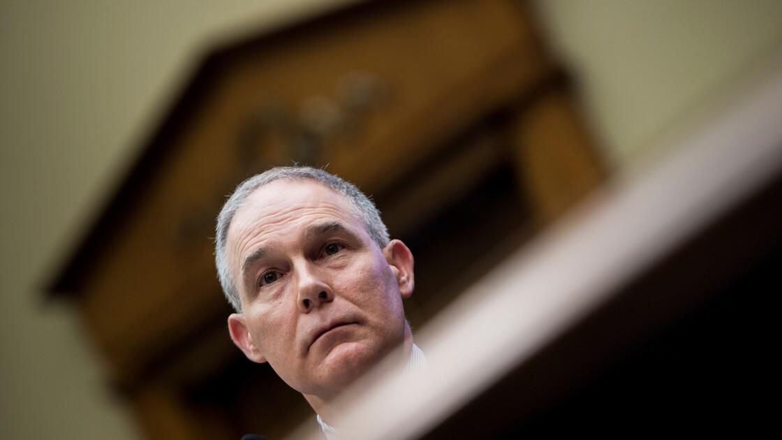 Le ministre de l'Environnement de Trump sur la sellette