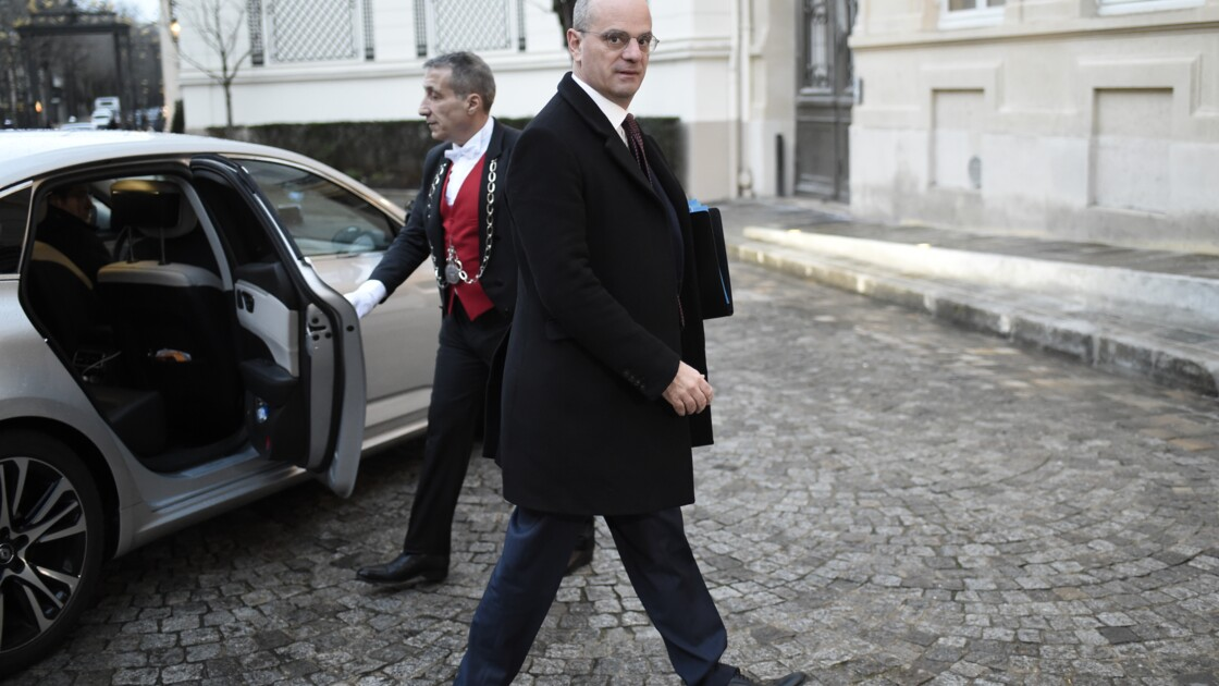 Education: Blanquer installe son conseil scientifique
