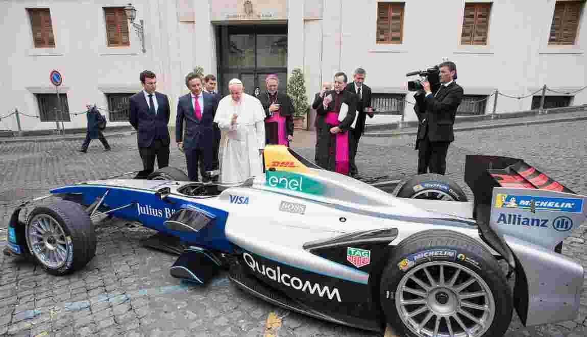 Le Pape Benit Une Voiture Electrique Formule E Geo Fr