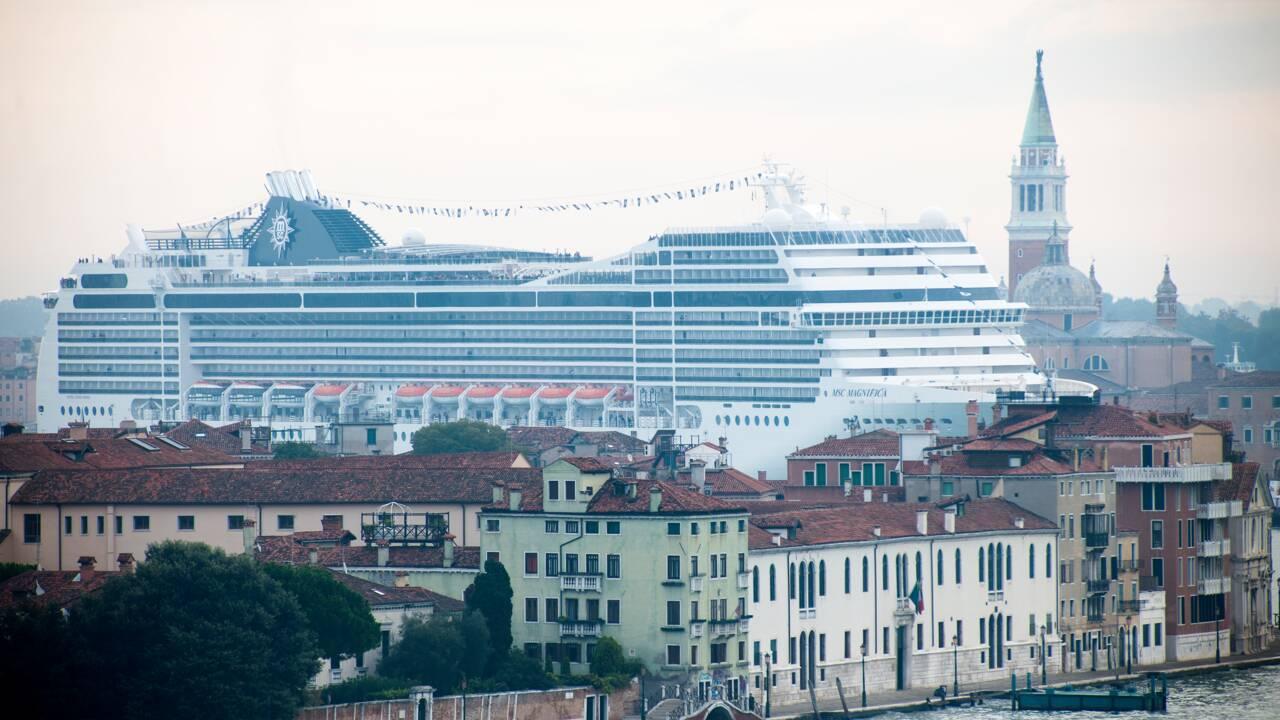 """OCDE: """"repenser"""" le tourisme pour respecter environnement et populations"""