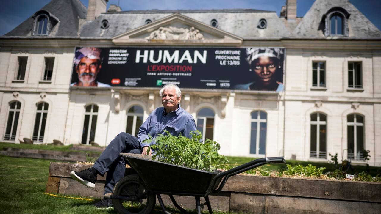 """Yann Arthus-Bertrand ouvre les portes de son parc """"écolo et humaniste"""" à Paris"""
