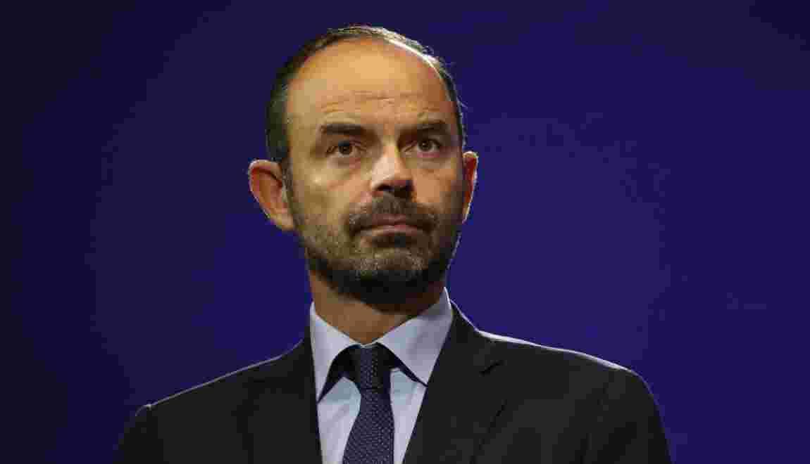 """Fermetures de centrales nucléaires: """"A moyen terme, bien sûr"""", promet Philippe"""