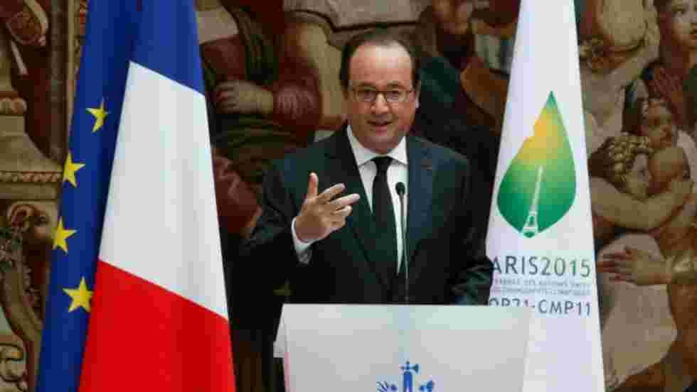 """Climat: Hollande appelle Trump à """"respecter les engagements"""" pris"""