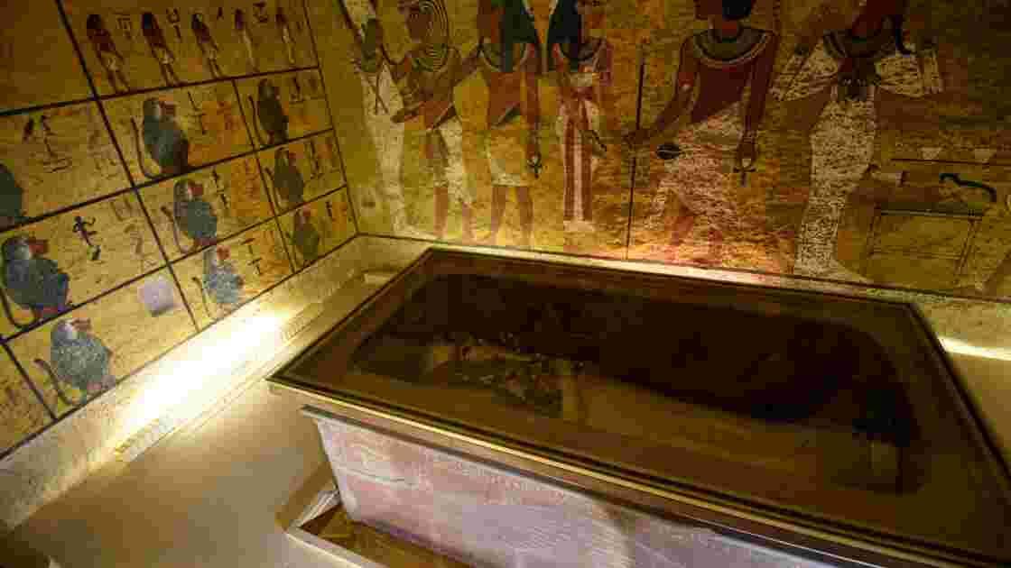 """Les chambres cachées dans la tombe de Toutankhamon """"inexistantes"""" (ministère)"""