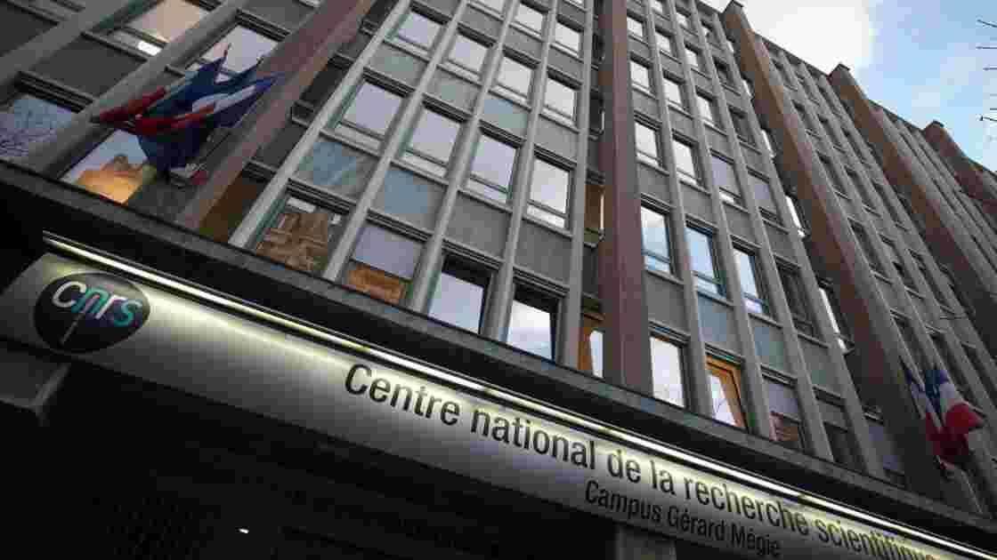 Les physiciens Alain Brillet et Thibault Damour médailles d'or du CNRS