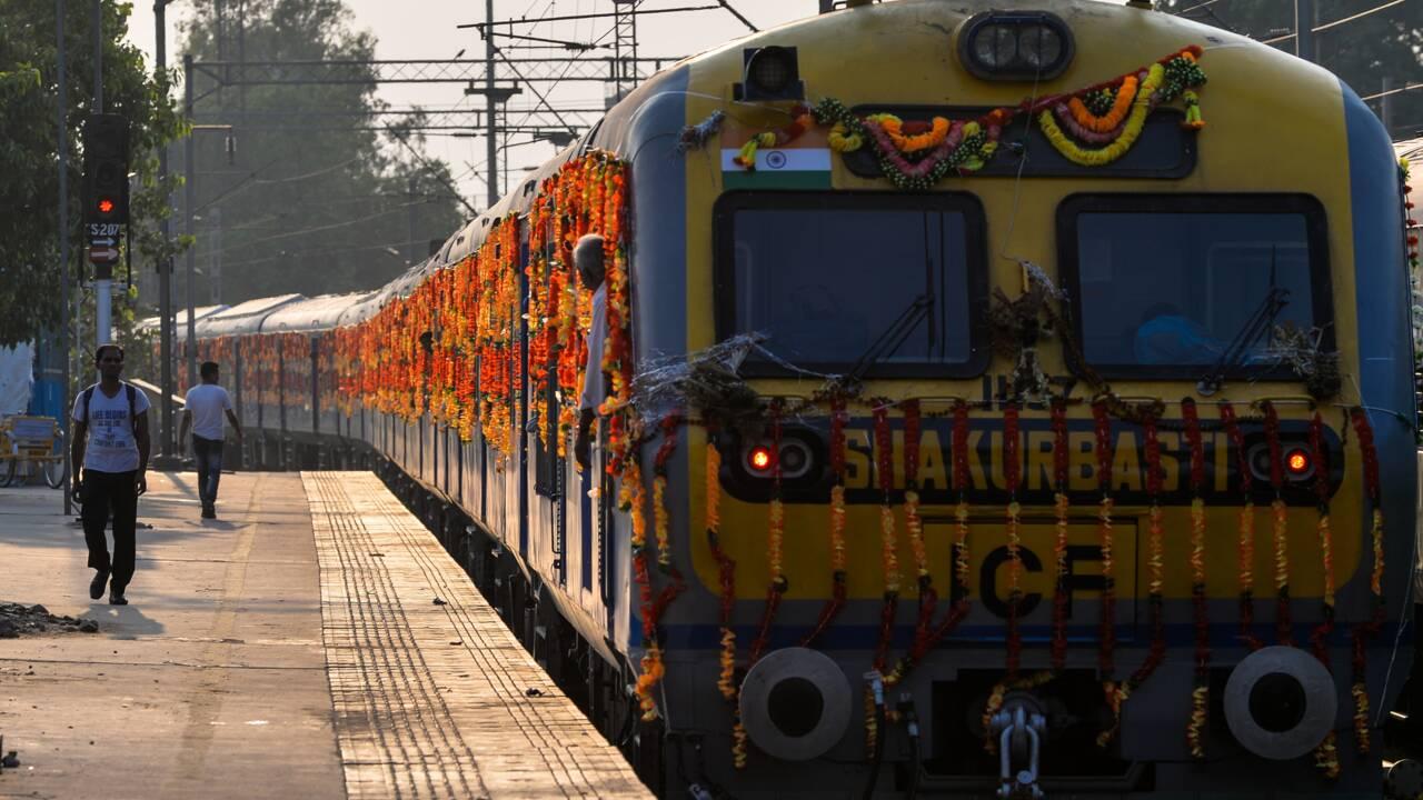 En Inde, les trains commencent à passer au vert