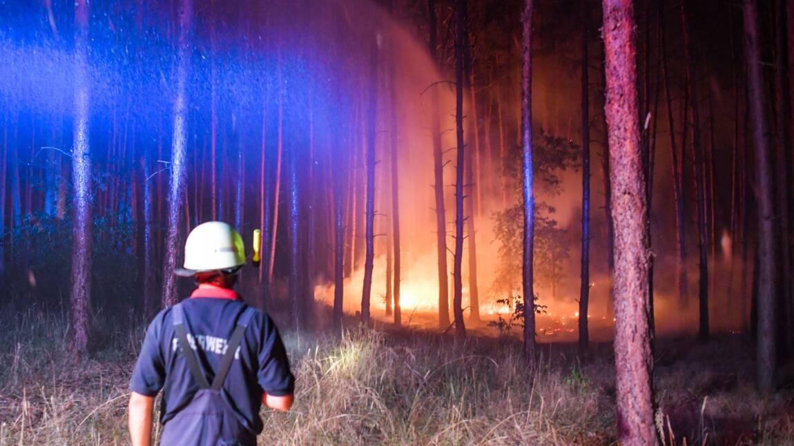 Allemagne: un violent incendie de forêt continue de menacer des villages