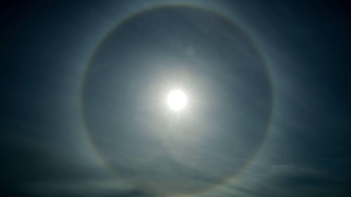 Quand je parle du soleil, tes yeux s'éclairent