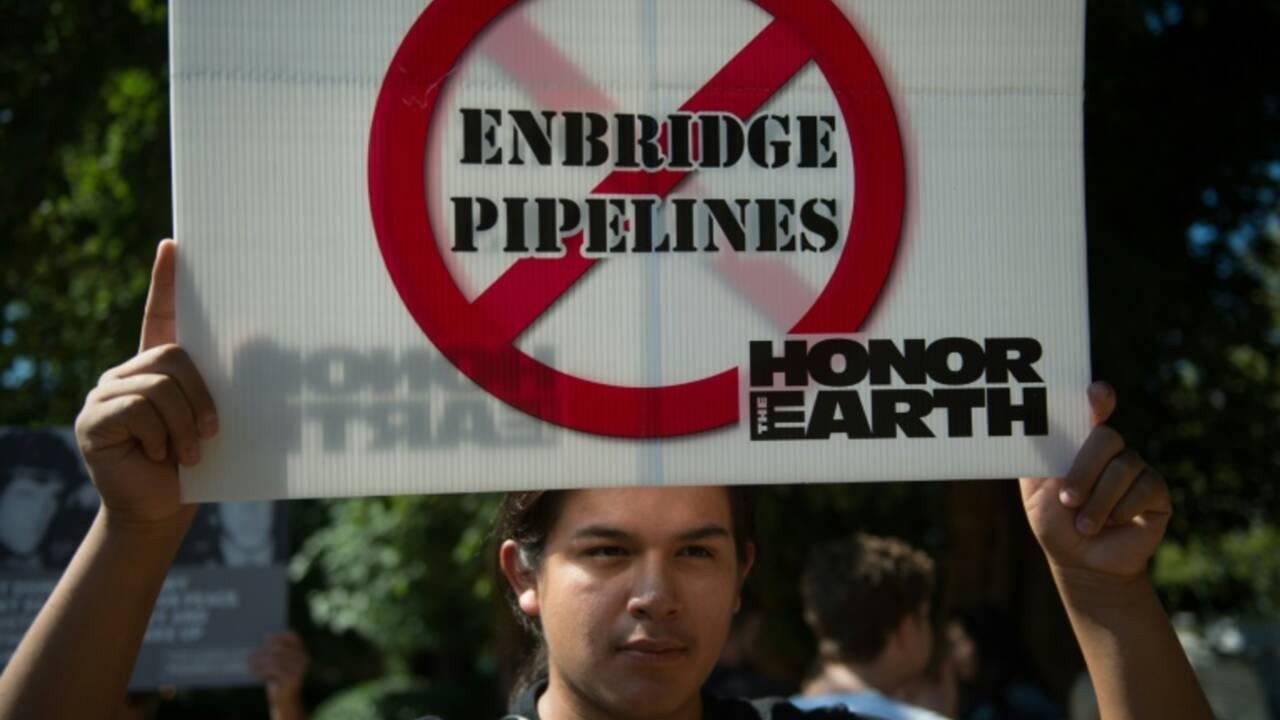 Canada: feu vert à deux projets d'oléoducs, veto pour un troisième