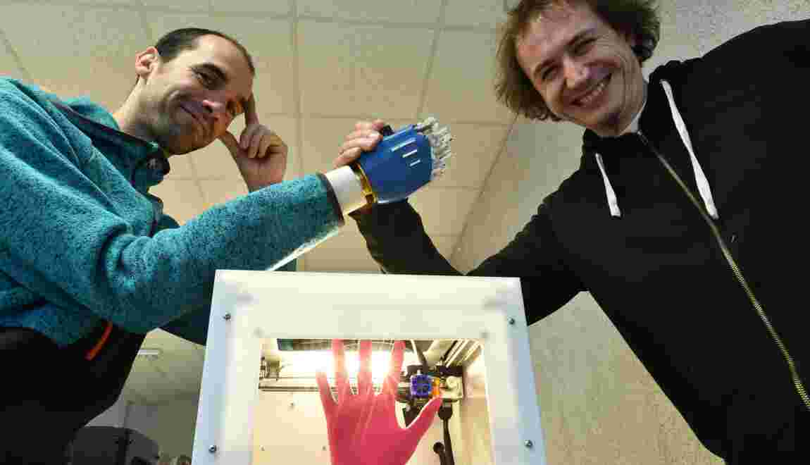"""A Rennes, un atelier pour apprendre à """"se réparer"""" espère essaimer dans le monde"""
