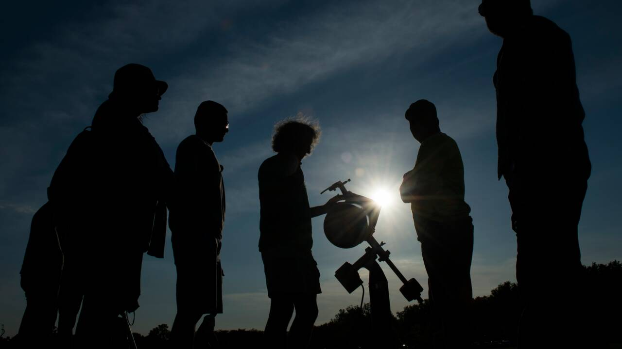L'astrotourisme, activité prisée mais menacée par la pollution lumineuse