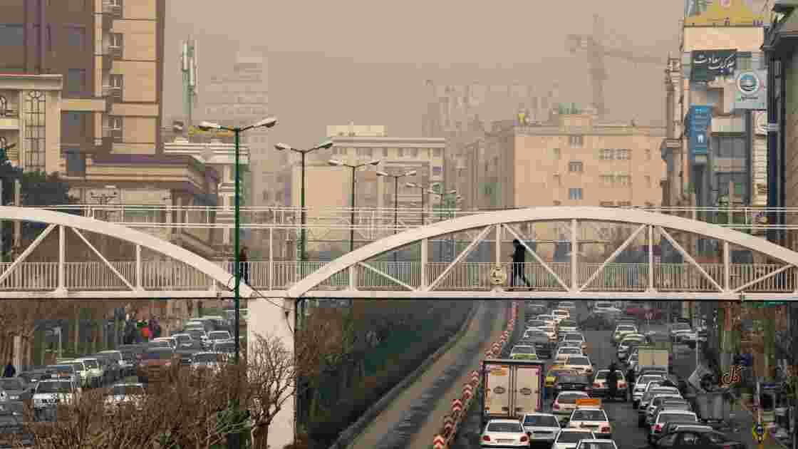 Pollution en Iran: les écoles fermées mardi à Téhéran