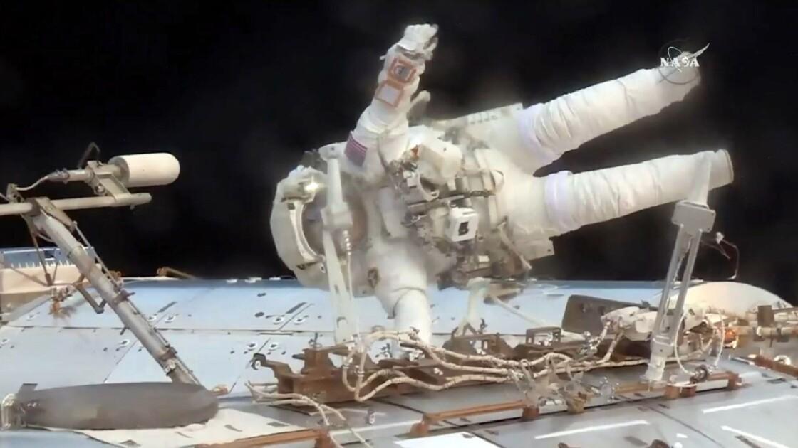 Fin d'une réparation urgente à l'extérieur de l'ISS