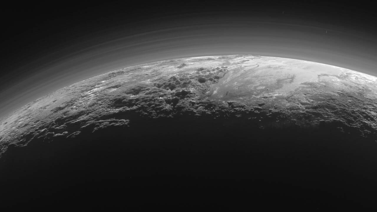 Surprise: Pluton est couverte de dunes de méthane glacé