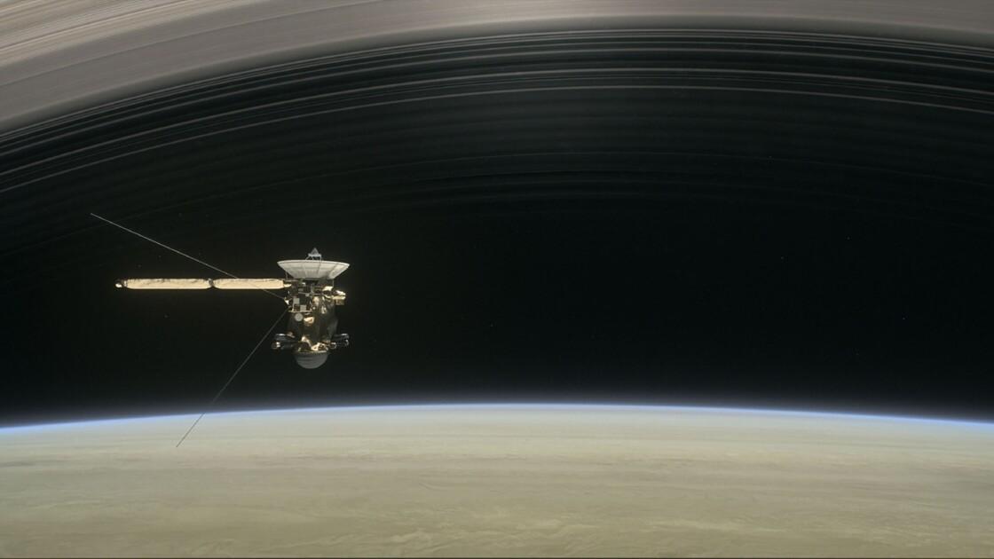La sonde Cassini s'apprête à effectuer un ultime plongeon vers Saturne
