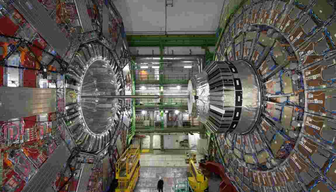 Le boson de Higgs pris en flagrant délit de désintégration
