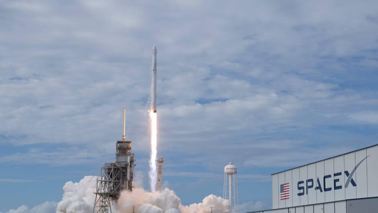 SpaceX lance avec succès dix petits satellites de plus pour Iridium