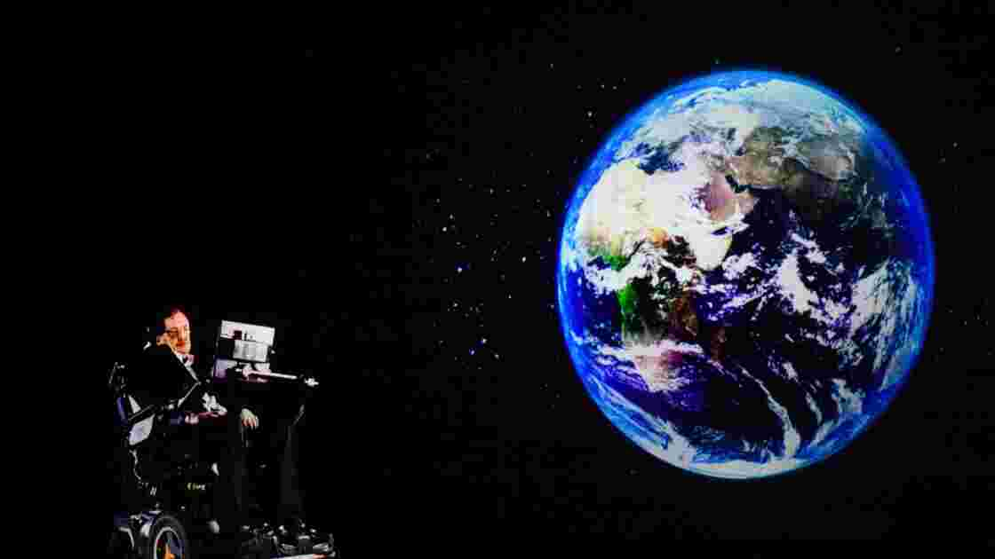 Stephen Hawking apparaît en hologramme à Hong Kong