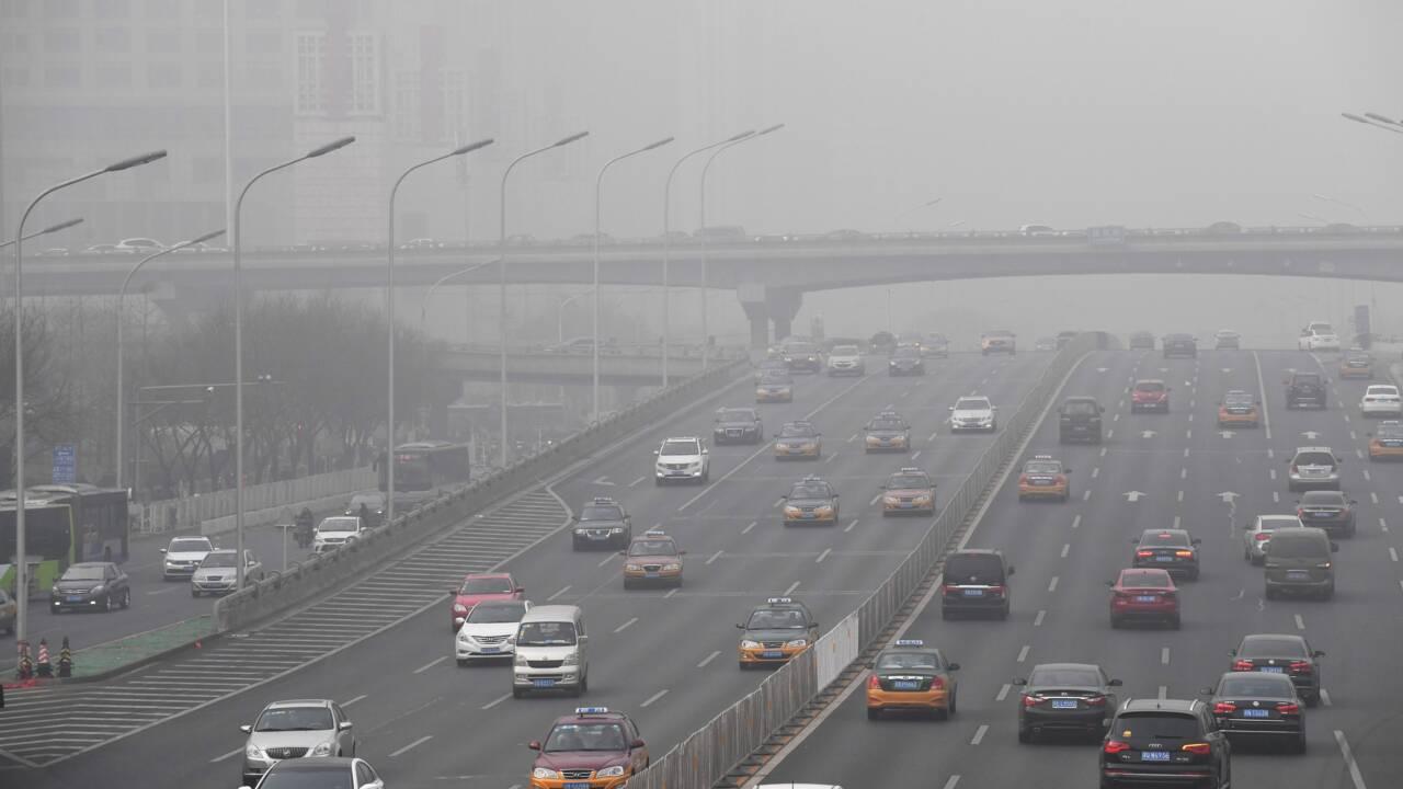 En Chine, des avocats gonflés portent plainte contre l'air pollué