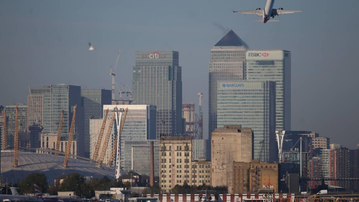 Brexit: le secteur aérien britannique devra suivre les règles environnementales de l'UE