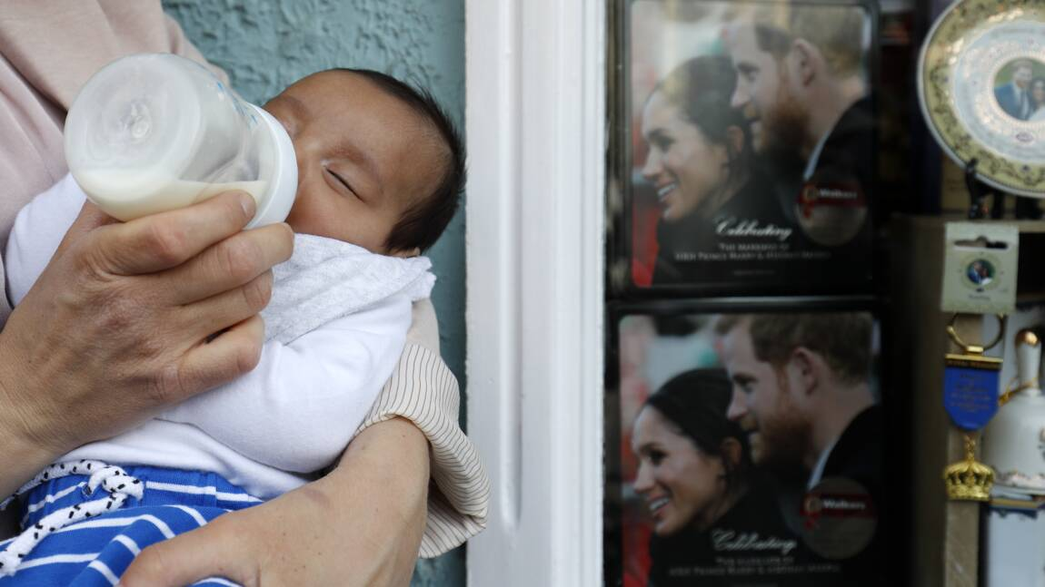 Un petit lien établi entre nourriture solide et sommeil de bébé