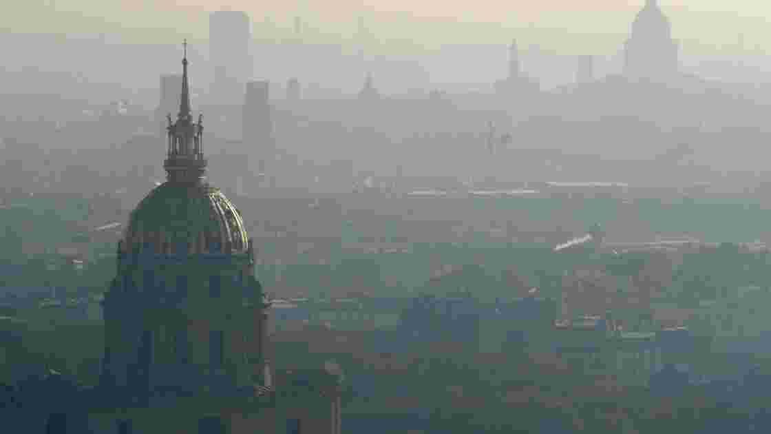 Pollution à Paris:  circulation alternée toujours envisagée pour lundi