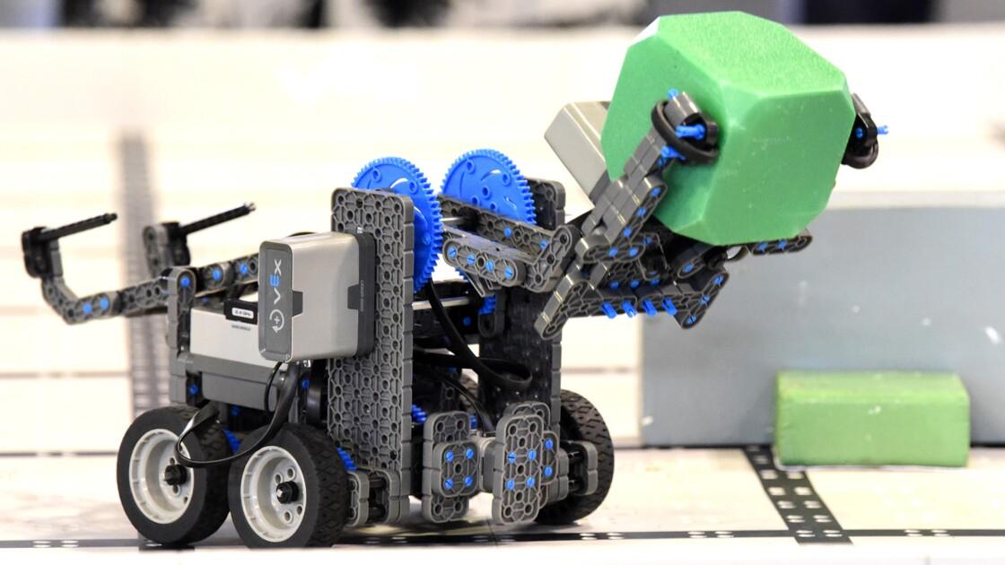 Concours de robotique: les jeunes filles d'Afrique de l'Ouest à l'avant-garde