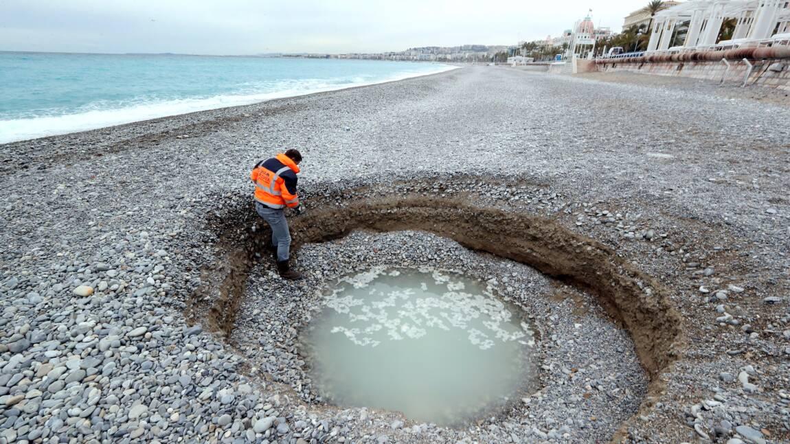 Un cratère spectaculaire se forme sur une plage de Nice