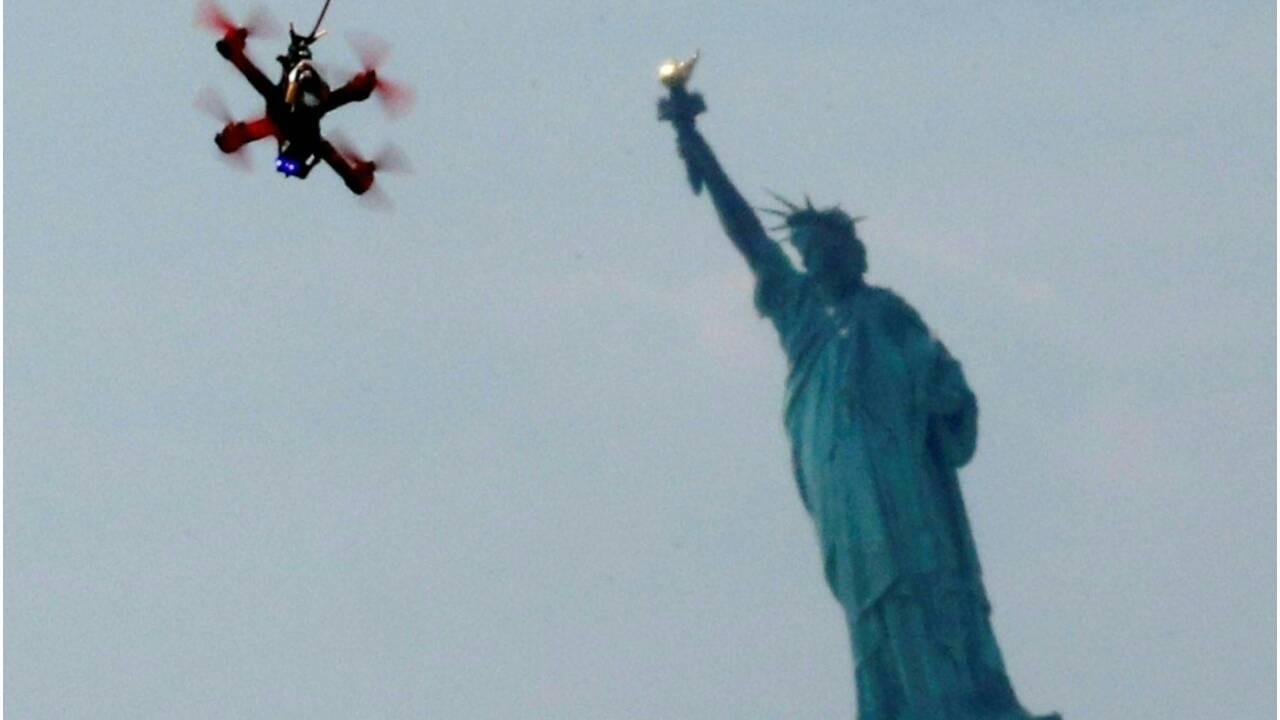 Le Pentagone a testé un essaim de 103 petits drones