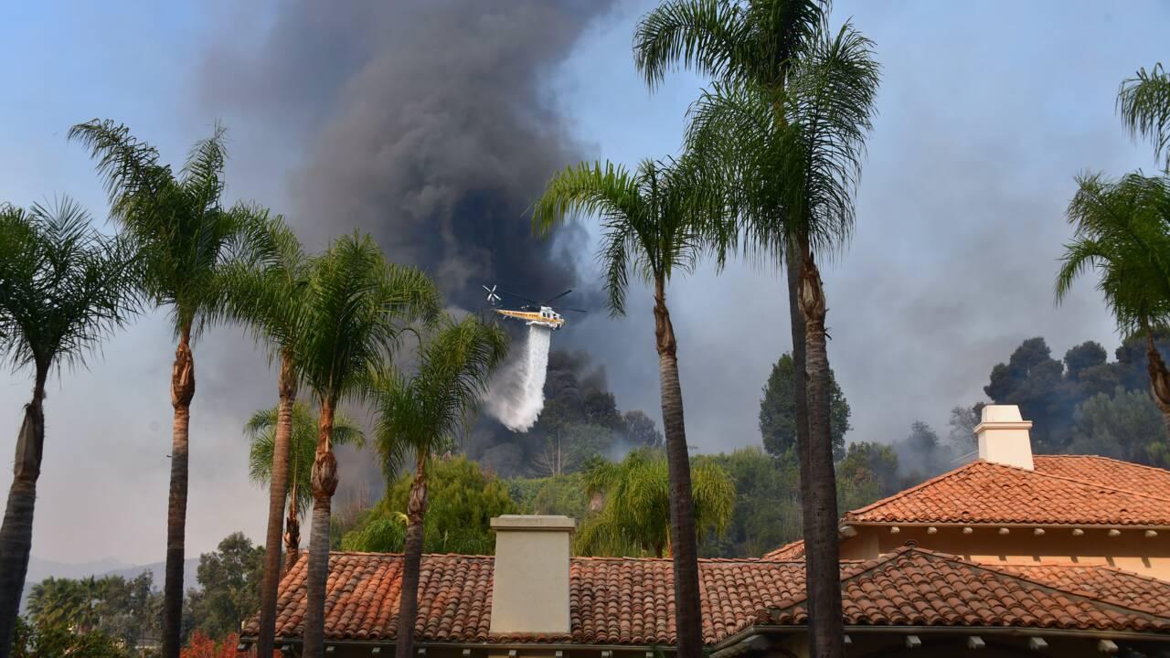 Les flammes atteignent Los Angeles et ses luxueux quartiers