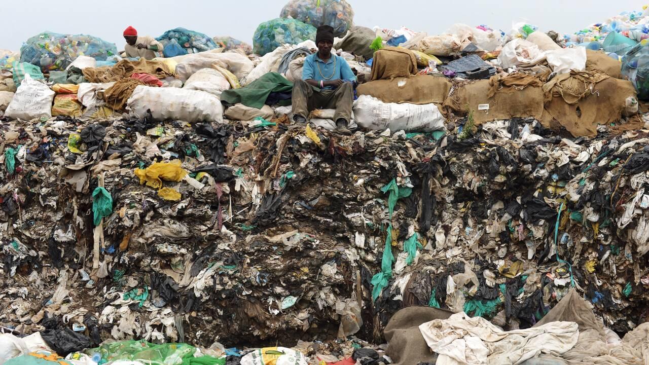 Pollution: le Kenya interdit les sacs en plastique