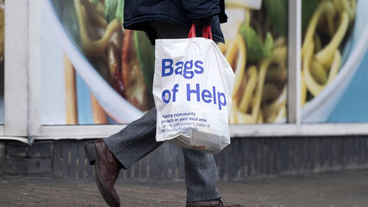Royaume-Uni: May propose un nouveau plan contre le plastique, jugé d'ores et déjà insuffisant