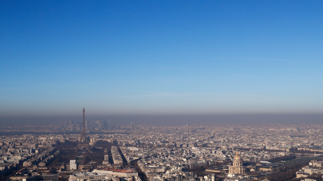 Paris: les véhicules diesel d'avant 2005 interdits en 2019 (Hidalgo)