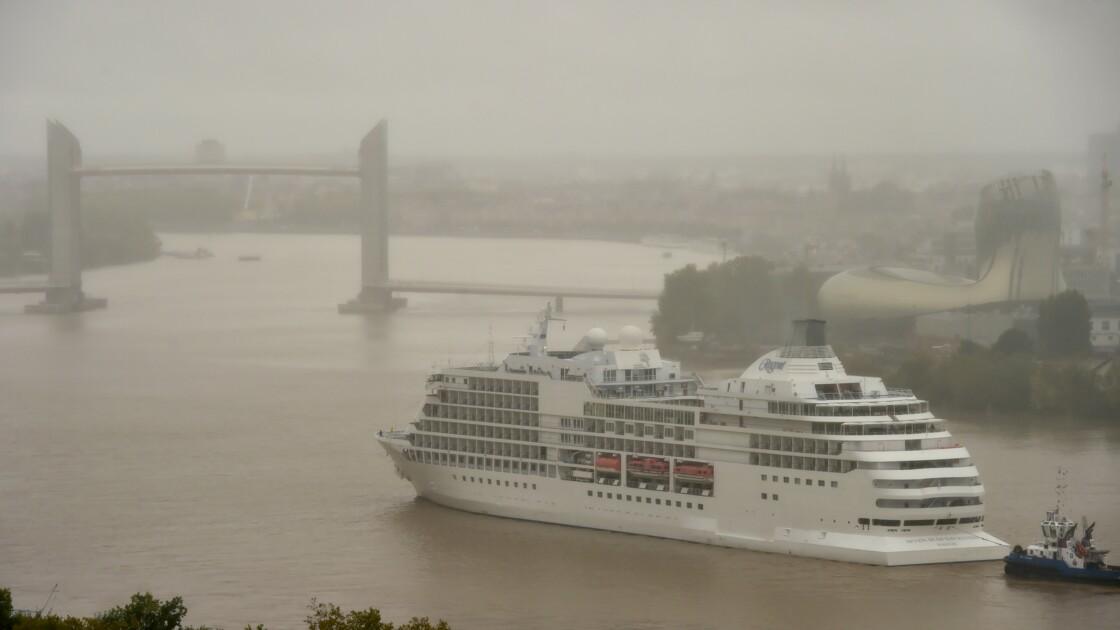 Bordeaux mesure la pollution des paquebots qui s'amarrent sur ses quais