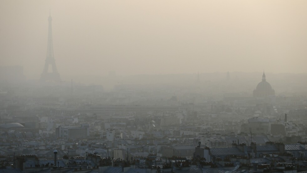 Pollution de l'air: l'Etat attaqué en justice par une Parisienne