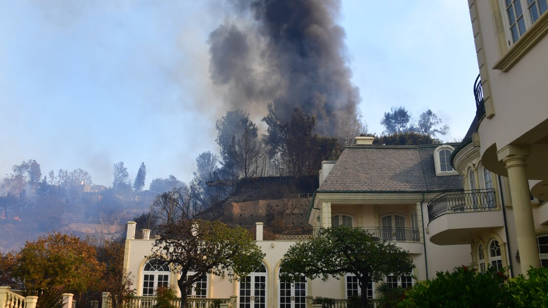 USA: l'incendie du luxueux quartier de Bel-Air causé par un campement de SDF