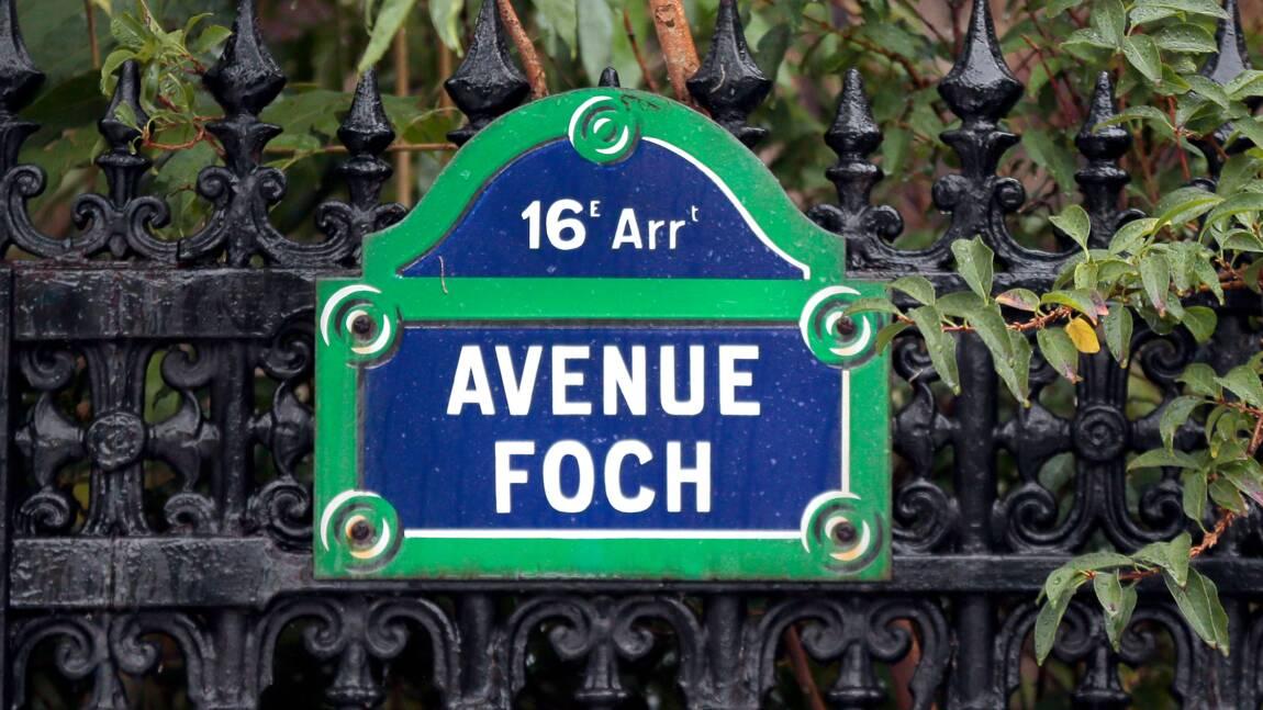 La biodiversité ce week-end sur l'avenue Foch à Paris, avec moutons et champ de lin